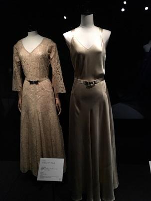 ベージュのドレス。.jpg