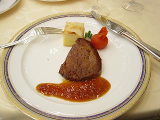 メインのお肉料理.JPG