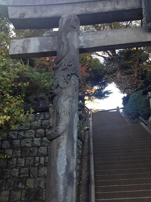 品川神社 鳥居の竜.jpg